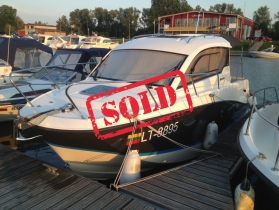 Quicksilver Activ 705 Cruiser su Mercury 200 HP Ve